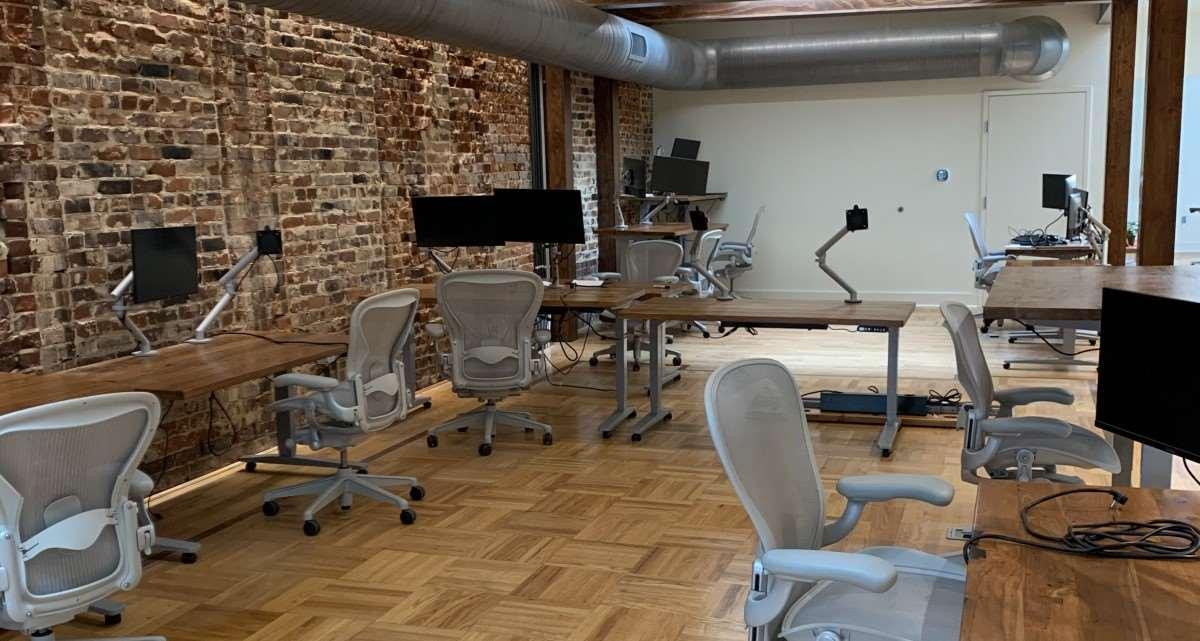OfficeMonitors.jpg